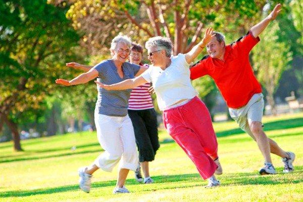 5 bí quyết sống khỏe mỗi ngày vui tươi tích cực ở tuổi già