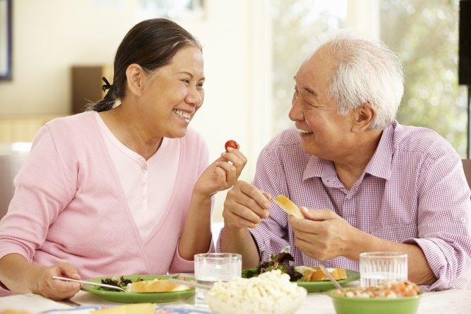 Bật mí chế độ ăn uống khỏe mạnh cho người cao tuổi