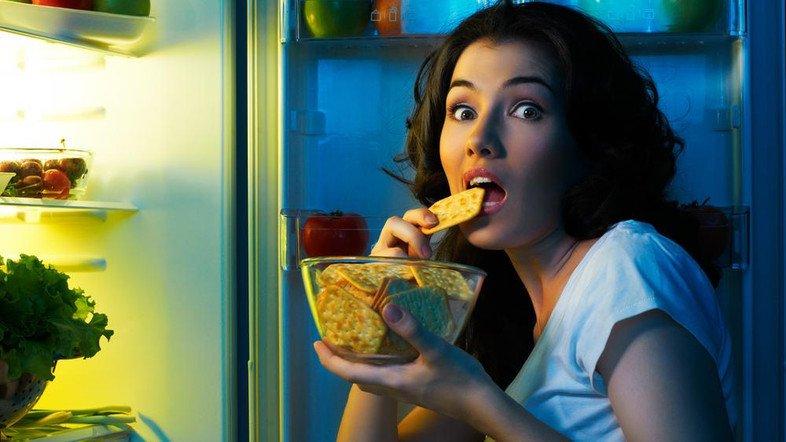 Bật mí về thói quen ăn đêm và những chế độ dinh dưỡng cần biết