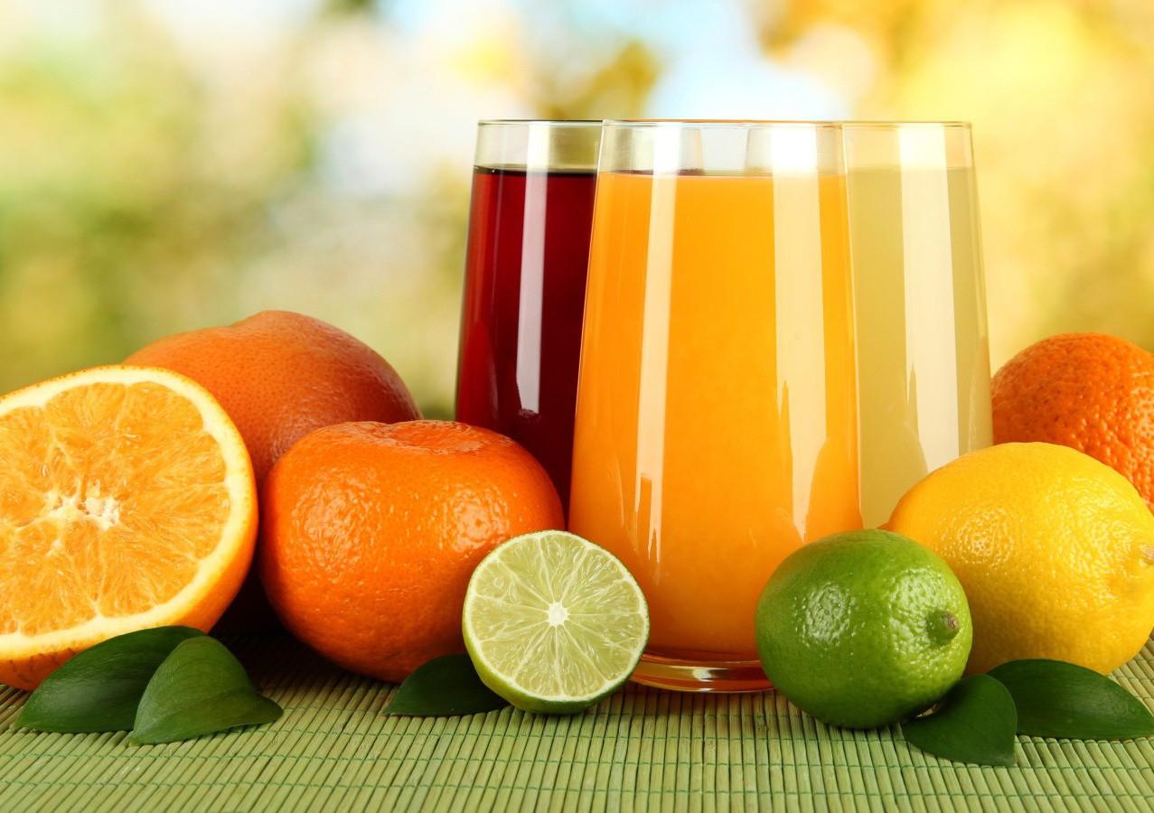 Nước trái cây cung cấp các vitamin thiết yếu