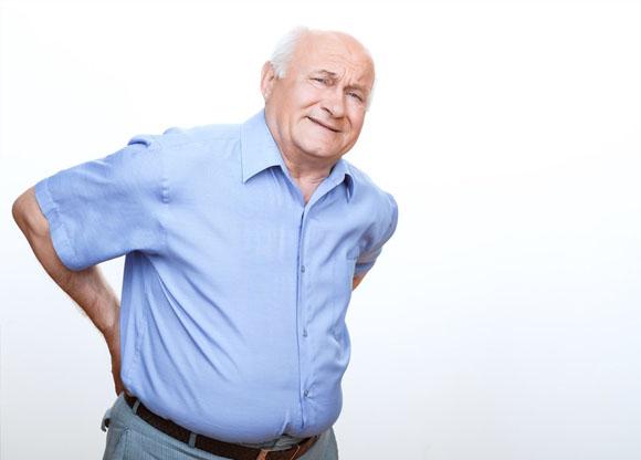 Giảm đau lưng ở người già với 3 cách hiệu nghiệm