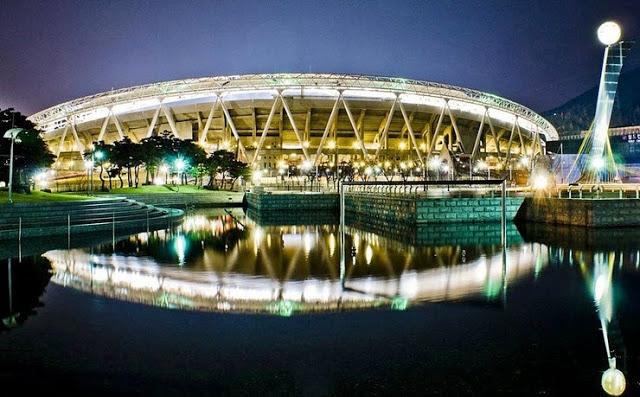 Vẻ đẹp hút hồn của sân vận động Deagu trong ánh đèn