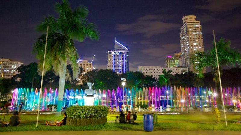 Công viên Rizal lung linh trong ánh điện