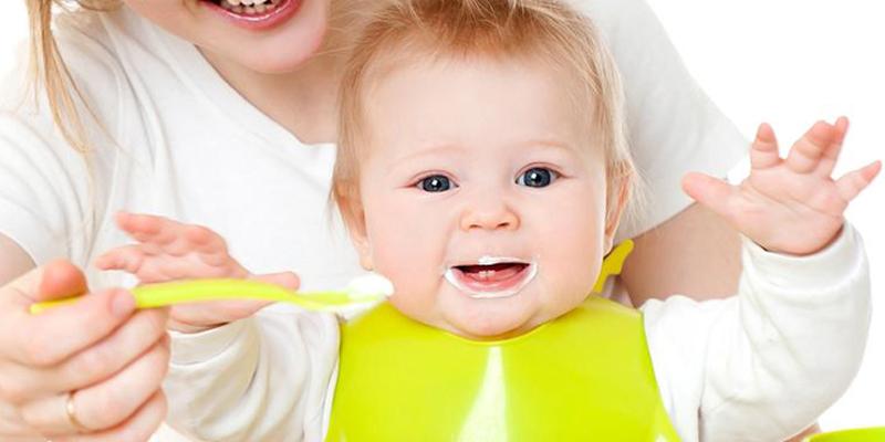 Trẻ 6 tháng tuổi có nên ăn sữa chua không?